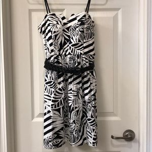 Strapless dress with belt. Size 9